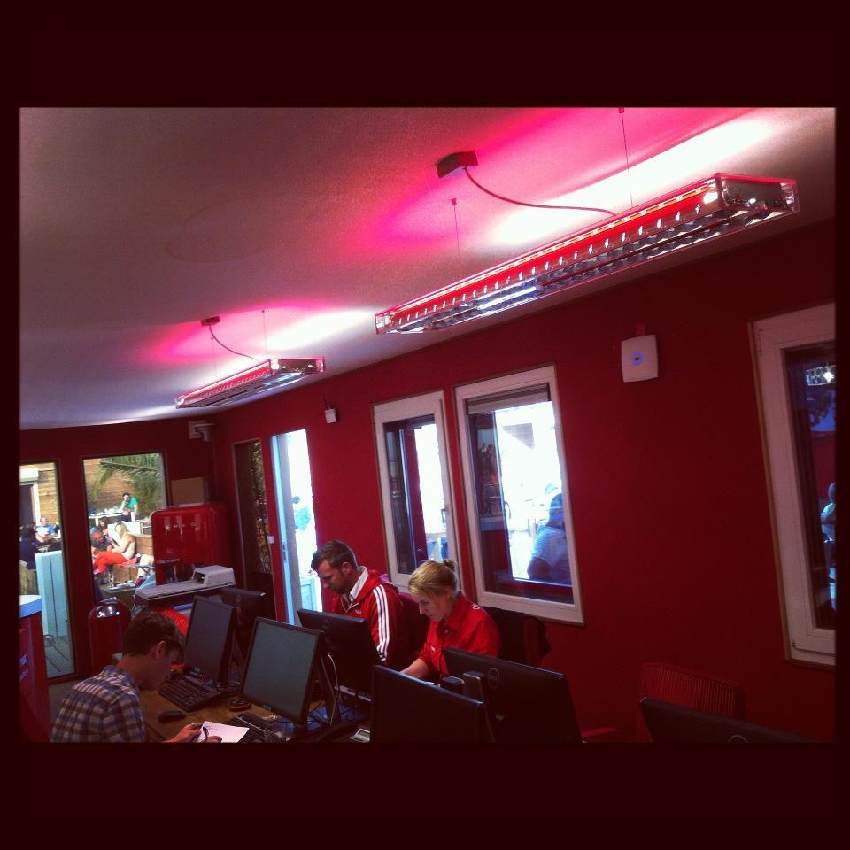 Q-Beach House #DARK #Q-music studio @Oostende www.facebook
