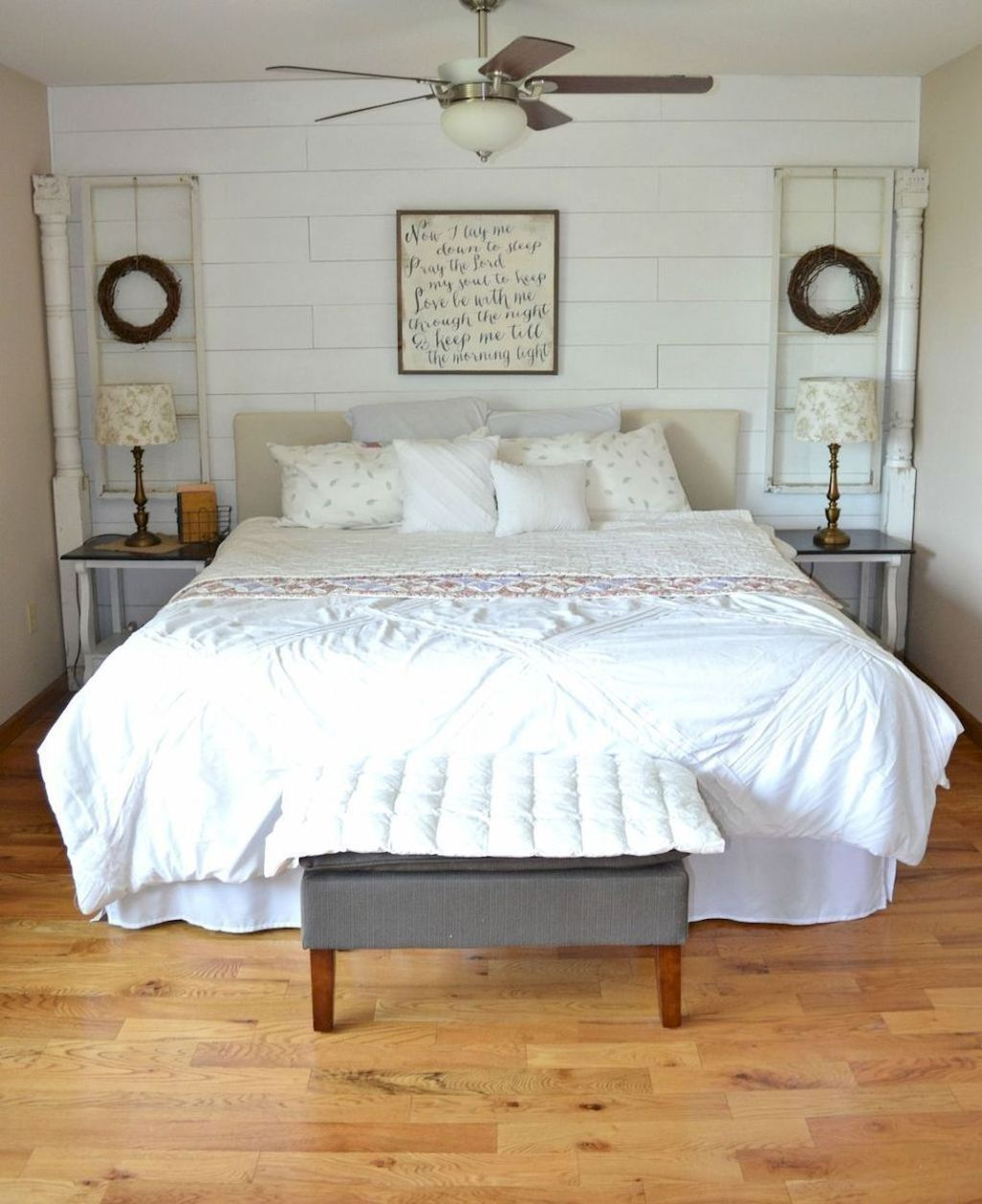 Cool 20 Adorable Modern Farmhouse Bedroom Remodel