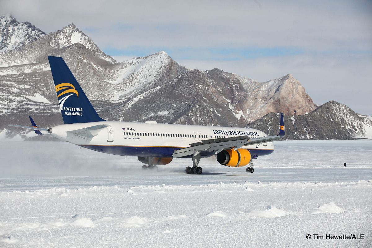 A Boeing 757 Landed On A Blue Ice Runway In Antarctica For The First Time Boeing Antarctica Iceland Air