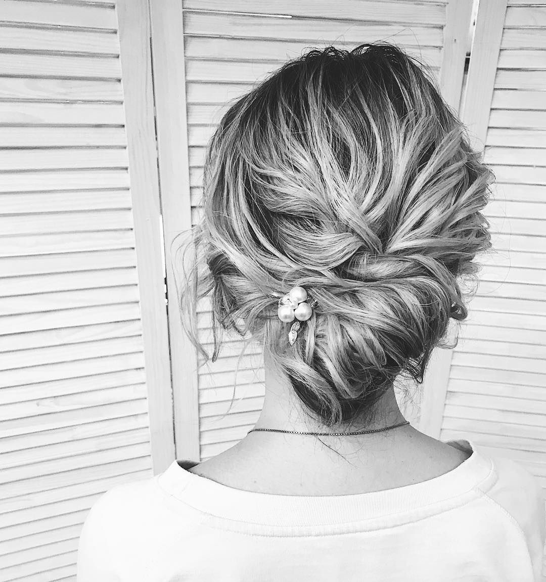 87 Fabulous Wedding Hairstyles For Every Wedding Dress Neckline ...