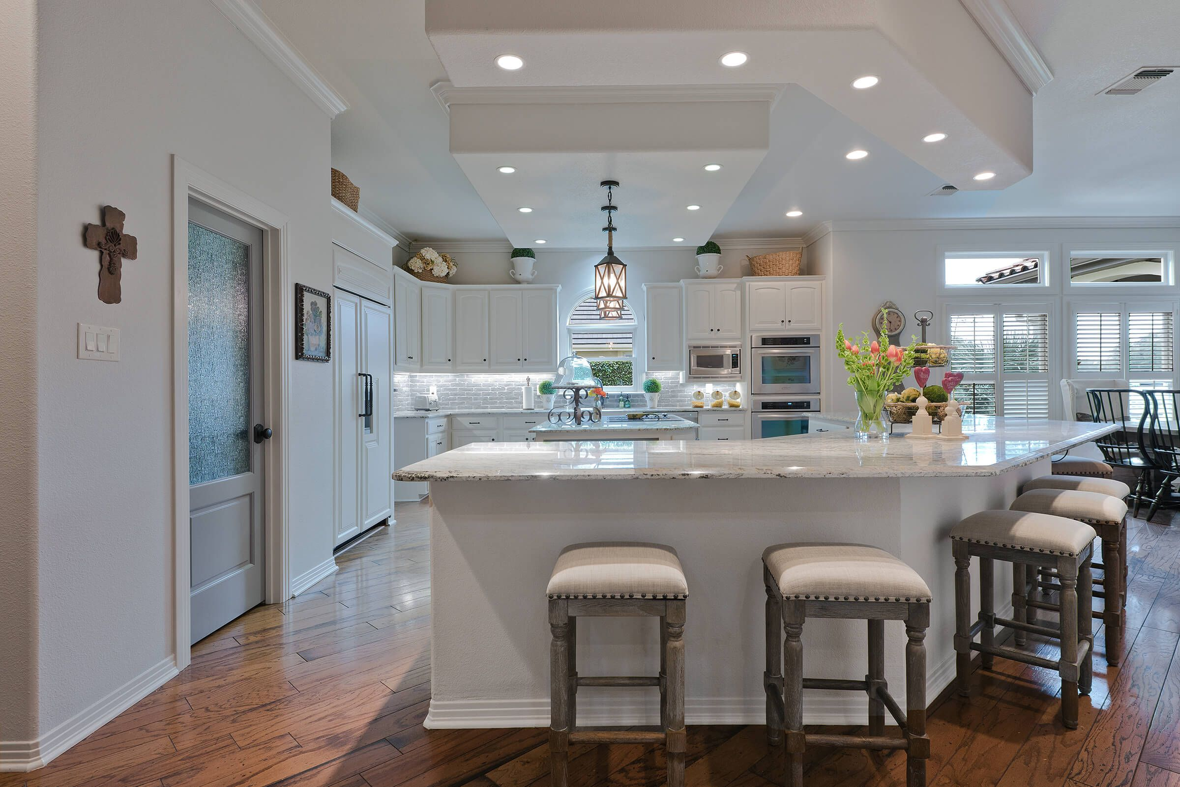 Sonterra Kitchen | Virtuoso Builders San Antonio Full Kitchen Remodel.  210 525 8750