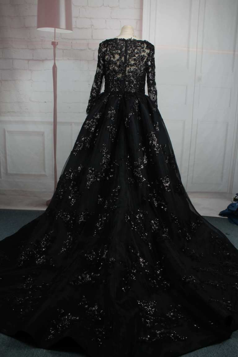 Black Plus Size Long Sleeve Ball Gown From Darius Cordell Black Wedding Gowns Gowns Black Wedding Dresses [ 1152 x 768 Pixel ]