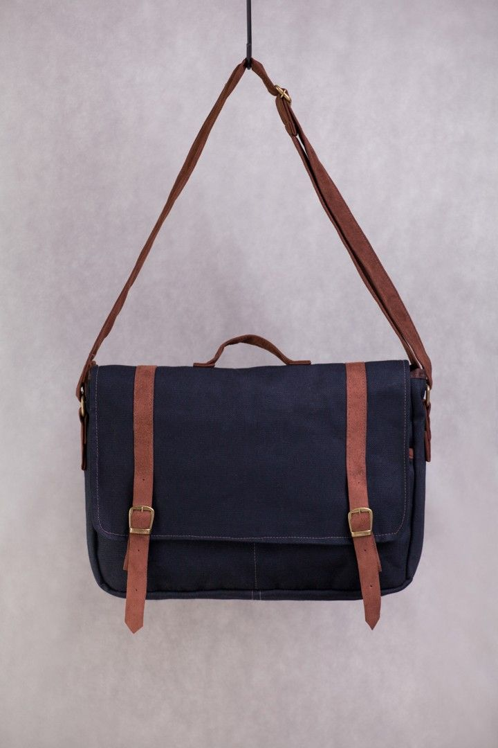 1c481f00f Bolsa Carteiro Jeans - Maria Tangerina | Closet | Bags, Backpack ...