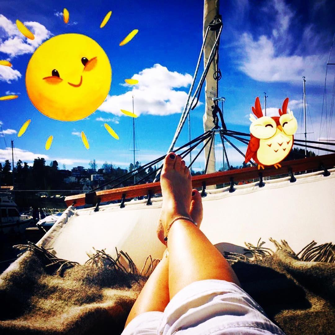 Have a nice weekend #vollen #oslofjorden #seiling #seilerepåfacebook #sailing #sailboat #relax #sun #livet_paa_alaya #livelife #enjoy #easyliving #ikea #norway #visitnorway #quilitytime #livetombord #lifeonboard #hanse470 #hanse #fordijegfortjenerdet #ideserveit #lydbok #smile #mylife  by skipperinnen