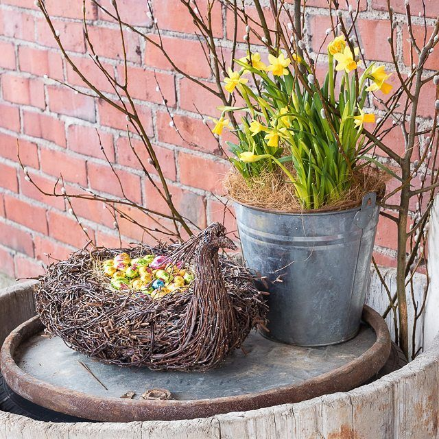 Easter feelings. #birchtwig  #koivurisu  #björkris #risulintu #pääsiäinen #easter #påsk #bird #allhandmadebyme #knehtilä #knehtilänluomutila