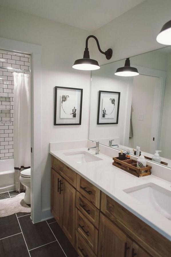 Photo of 55 Beautiful Urban Farmhouse Master Bathroom Makeover #farmhouse #masterbathroom …