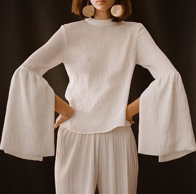 9b0274e052c59 Big billowing sleeves