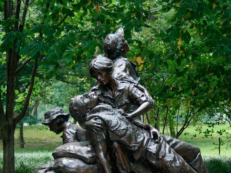 the vietnam womens memorial