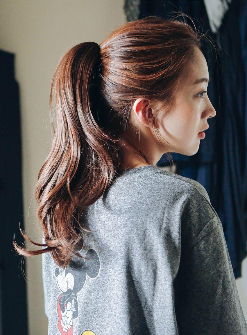 自然なポニーテールなオルチャンの髪型