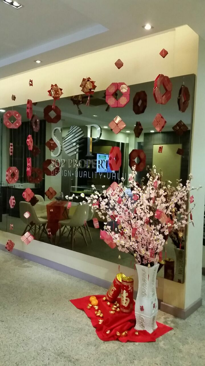 Office Chinese New Year decorations | Chinese new year ...