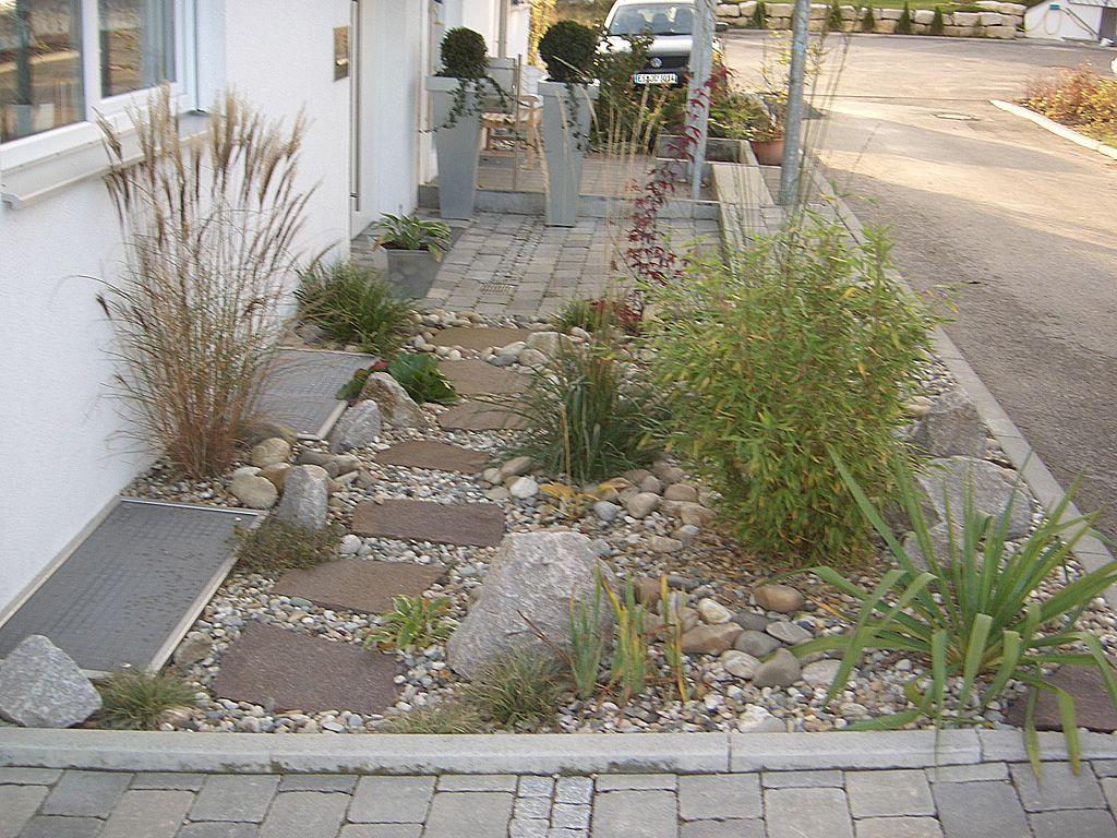 einen vorgarten gestalten einen vorgarten gestalten hof pinterest vorgarten gestalten. Black Bedroom Furniture Sets. Home Design Ideas