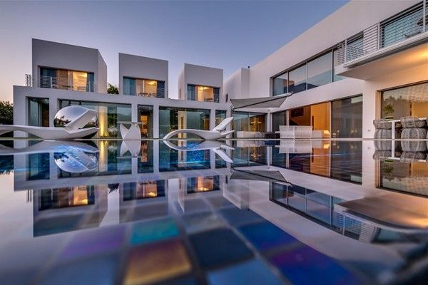 Private pool segmented cubes residence israel nestor sandbank