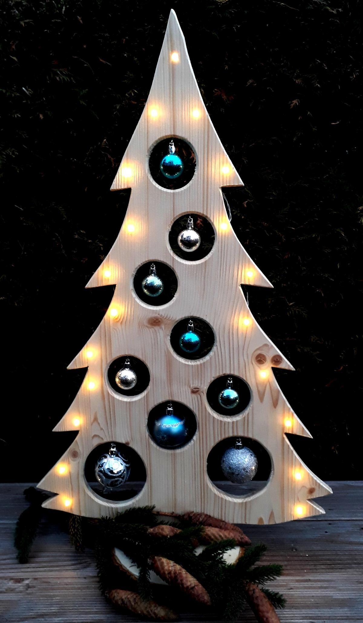 weihnachtsbaum holzdeko led kugeln holzbaum weihnachtsdeko. Black Bedroom Furniture Sets. Home Design Ideas