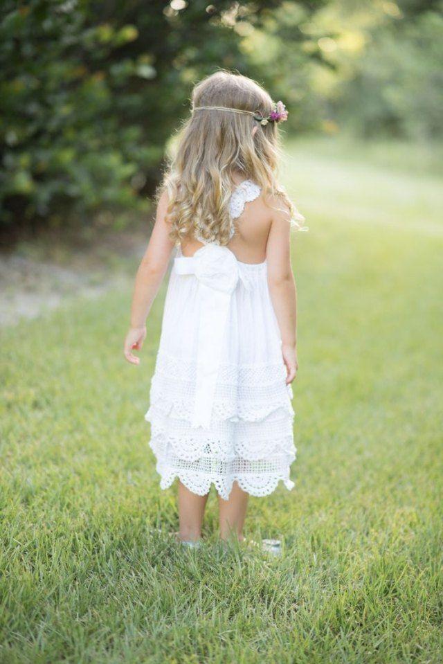 Blumenmädchen Frisur Offene Haare Locken Haarband Blume Kommunion