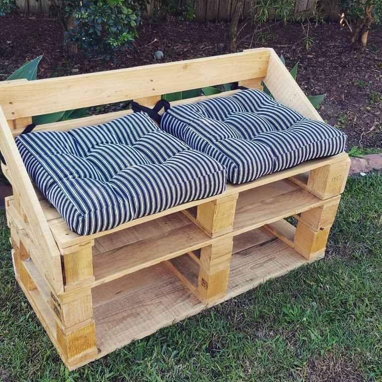 Banc De Jardin En Palette Diy Coussins Pallet Furniture Outdoor Outdoor Furniture Plans Pallet Outdoor