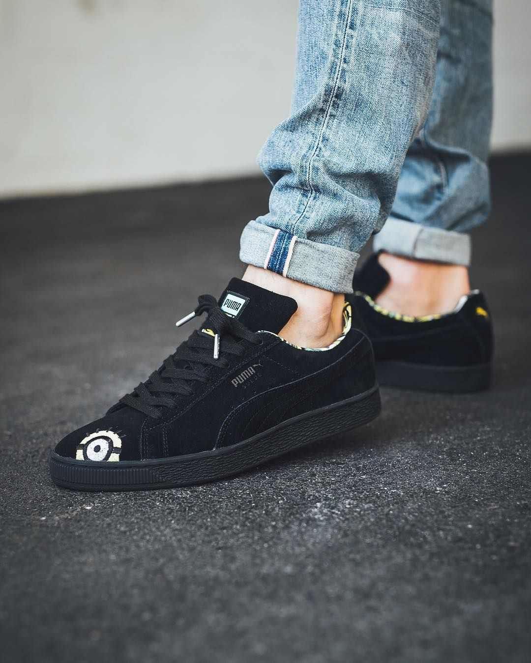 Minions PUMA Suede   All black sneakers