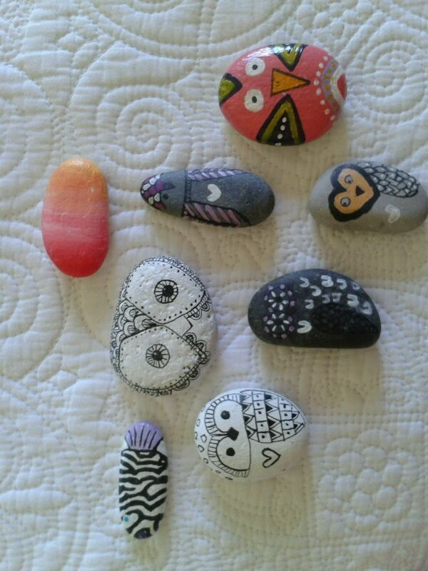 Piedras pintadas con acr lico y tinta china pintura for Pintura para pintar piedras