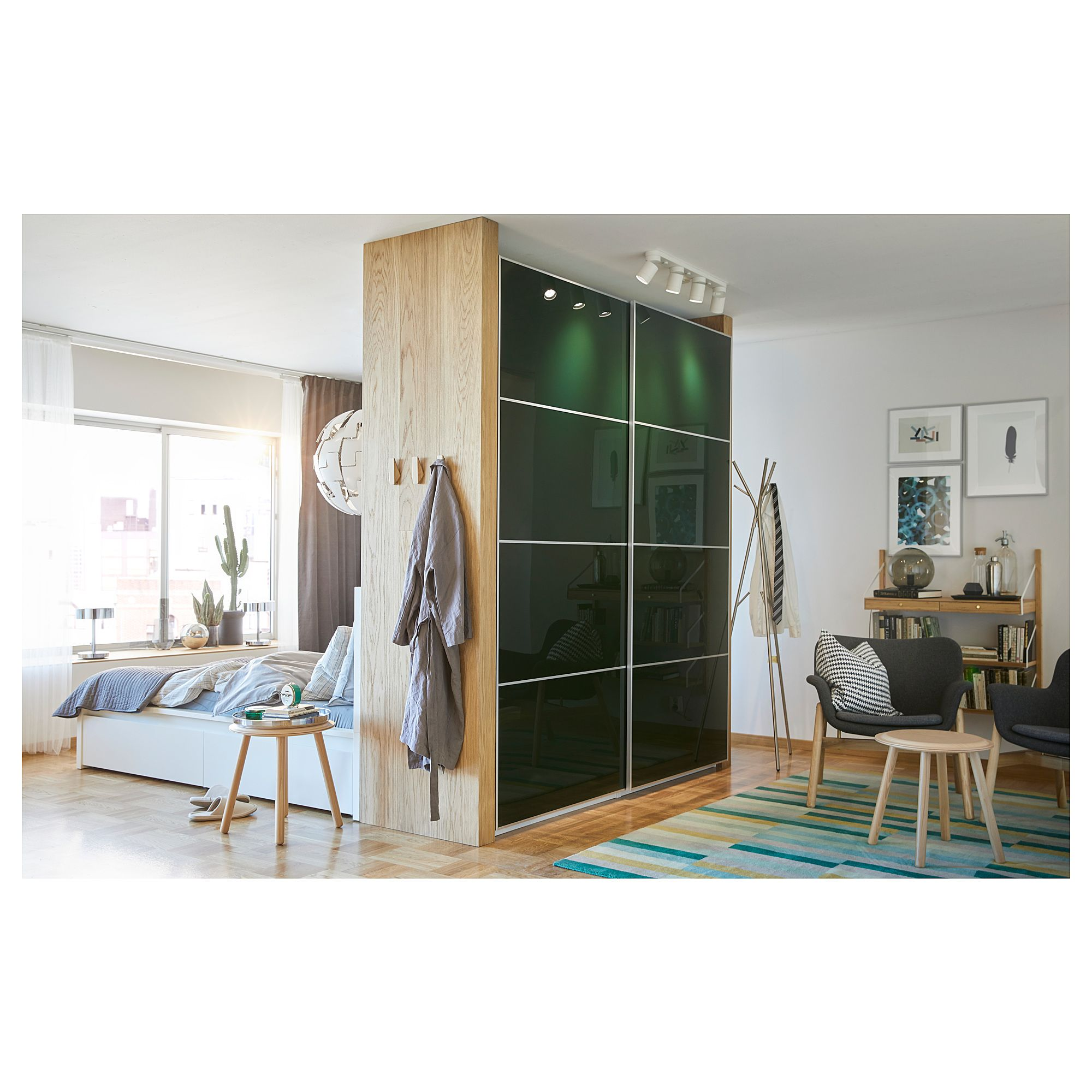 US Furniture and Home Furnishings Bedroom furniture