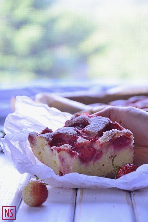 Ciasto ucierane na mascarpone z truskawkami (Sponge cake with strawberries) | Nutka Słodyczy
