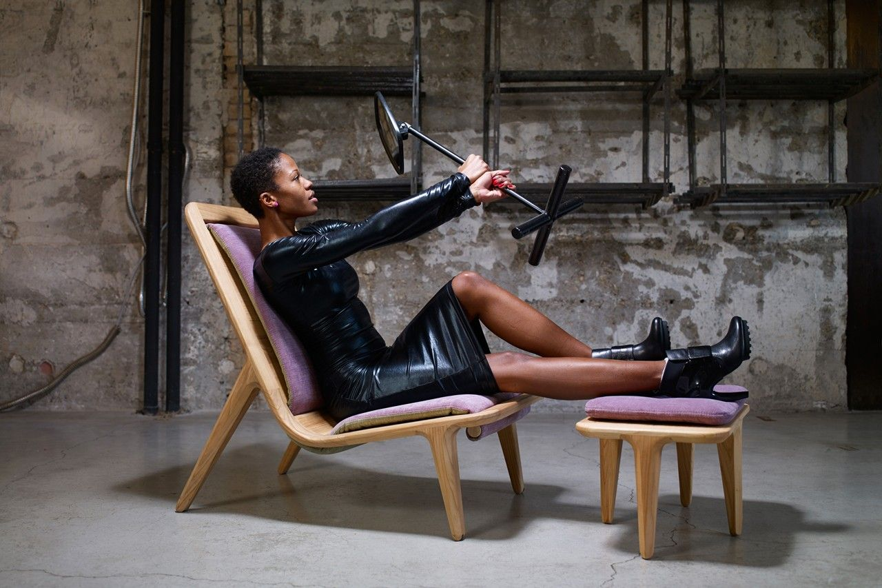 Armada and LayAir are two furniture collection by Croatian designer Zoran Jedrejcic for Hookl und Stool: armchairs, stools and coffee tables that evoke the beauty of the solid wood.