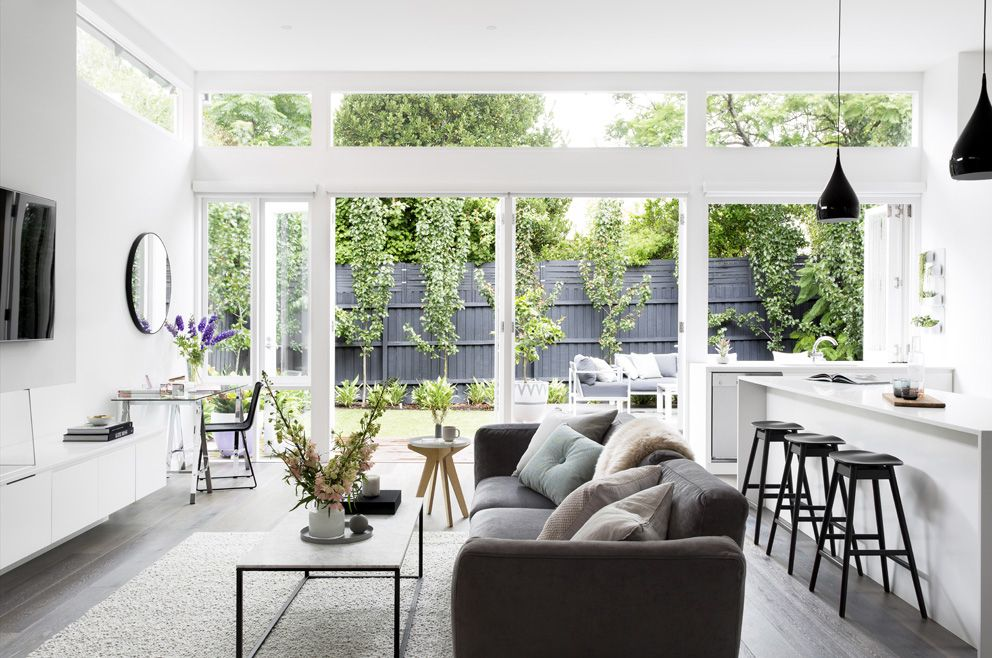Stylist julia treuel of show pony interiors has applied cool tones and  classic also rh pinterest