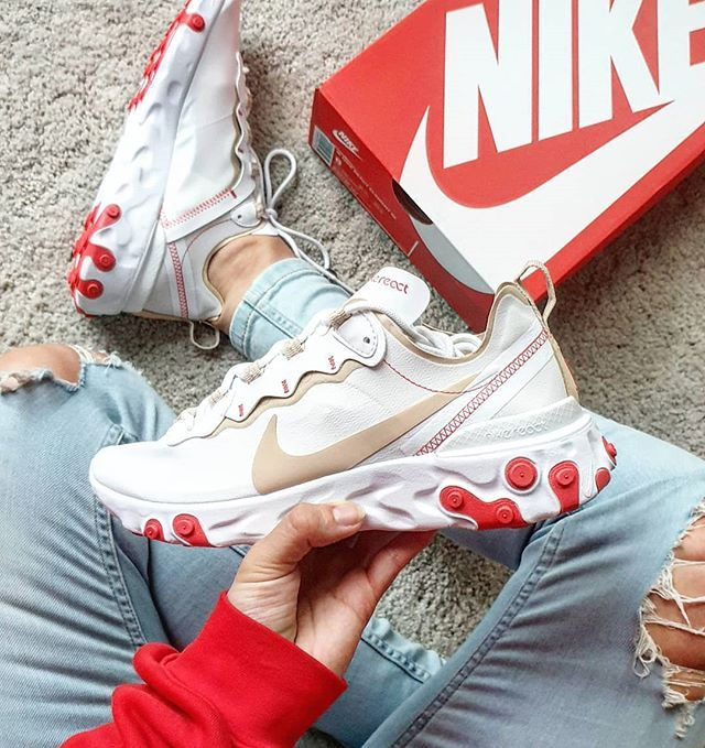 Red and beige Nike React Element 55 sneakers.   Chaussures drôles ...