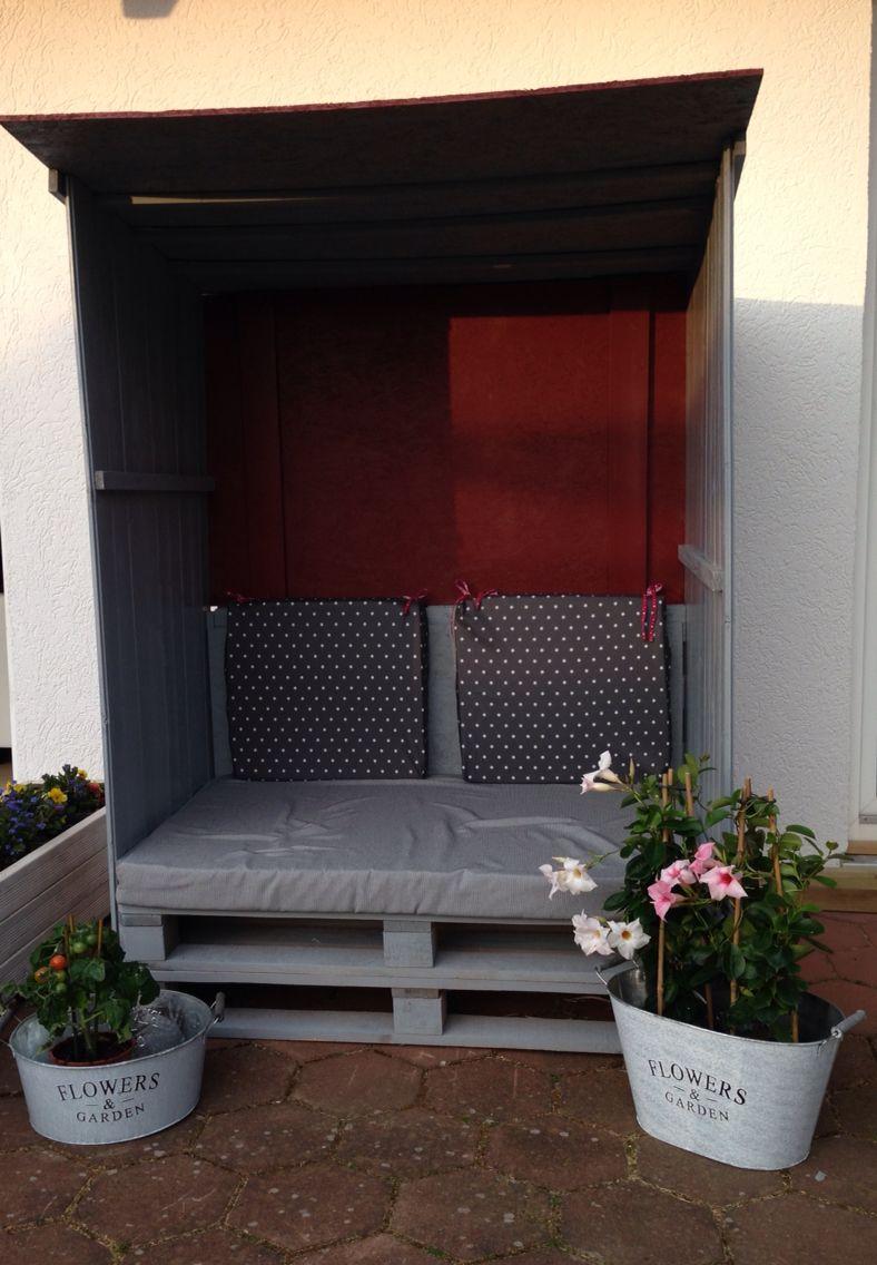 selbstgebauter strandkorb aus alten paletten ideeen. Black Bedroom Furniture Sets. Home Design Ideas