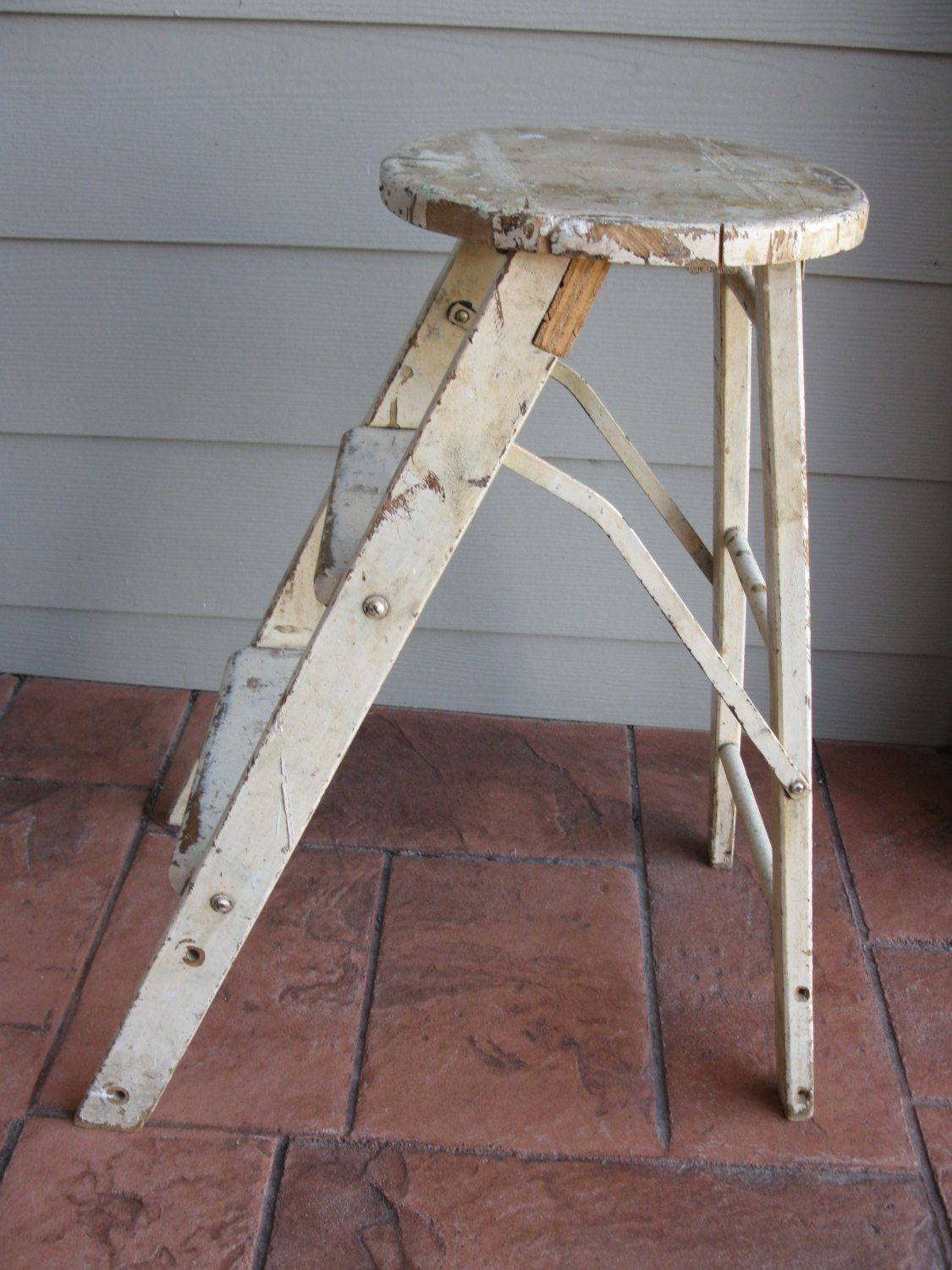 Admirable Vintage Wooden Step Stool Ladder Chippy Paint Shabby Chic Ocoug Best Dining Table And Chair Ideas Images Ocougorg