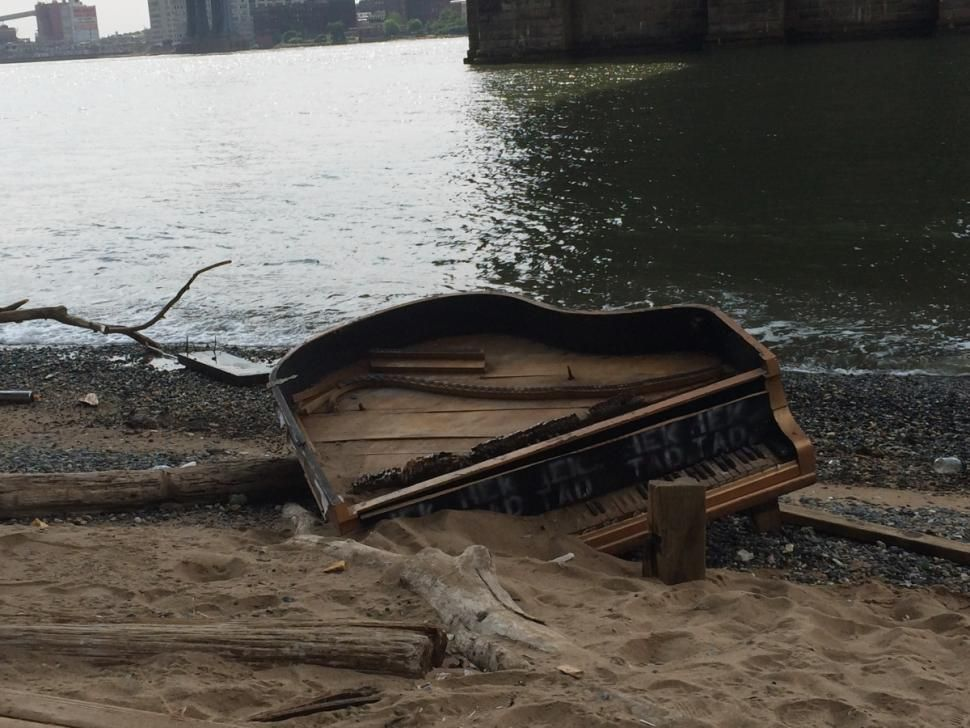 Brooklyn Bridge piano mystery continues | News Treasure