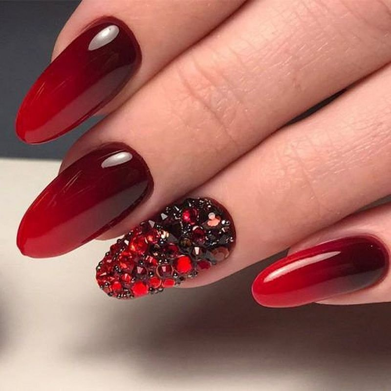 39 Beautiful Red Nail Art Ideas You Ll Love Red Nails Red Nail