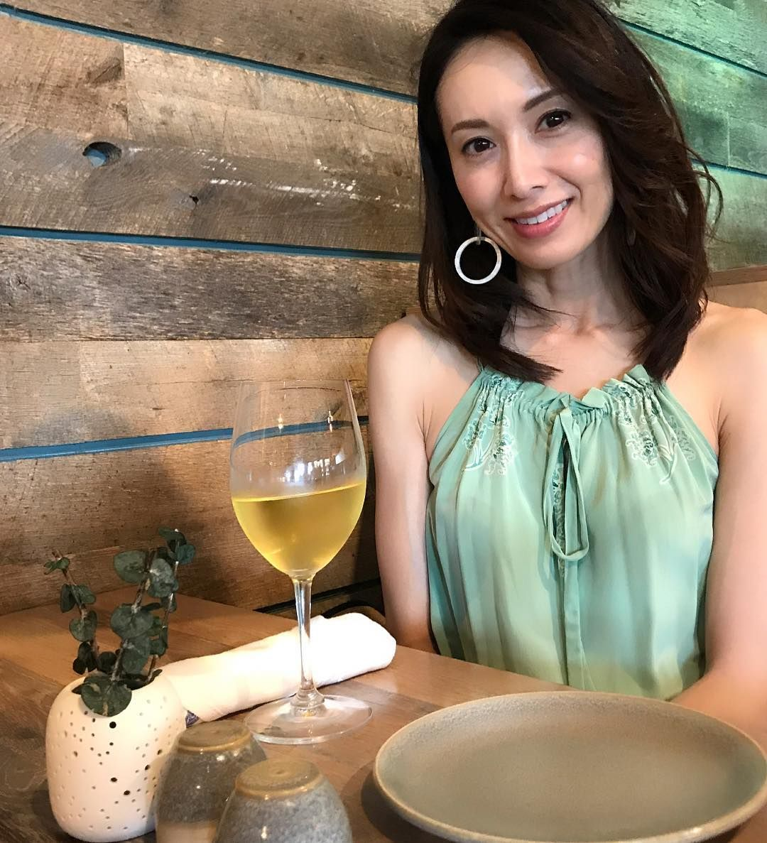駒田奈美 水着 下着 ナイトプール   女性 体型、モデル、ナイトプール