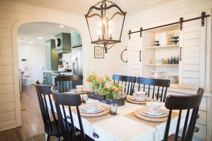 Fixer Upper Season 3 Episode 16 The Chicken House Fixer Upper Dining Room Stylish Dining Room Farmhouse Style Dining Room