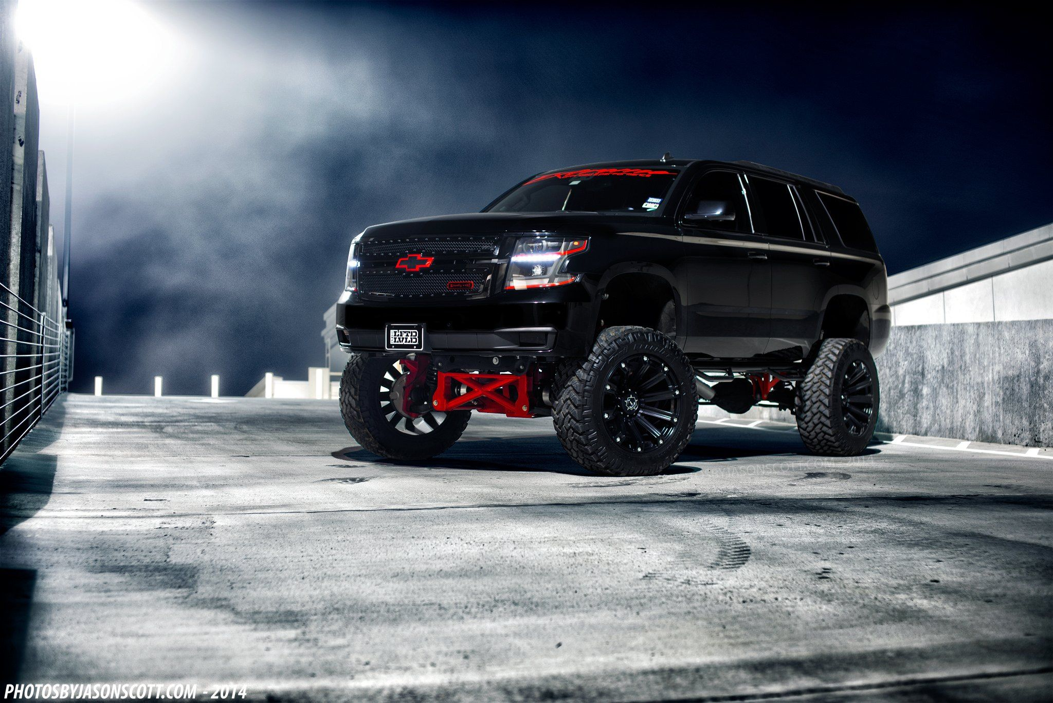 Custom Chevy Tahoe >> Lifted Custom Chevy Tahoe With Red Bow Ties Car Lifted
