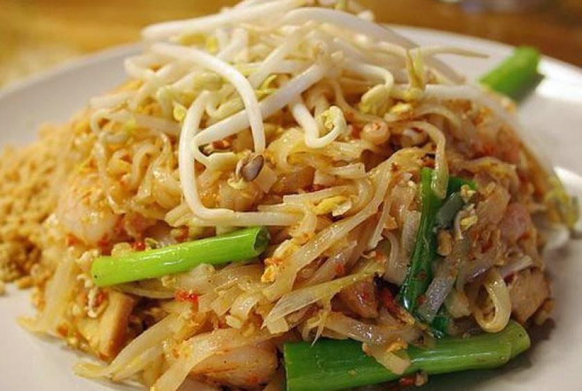 Shrimp and chicken pad thai receta shrimp and chicken pad thai forumfinder Images