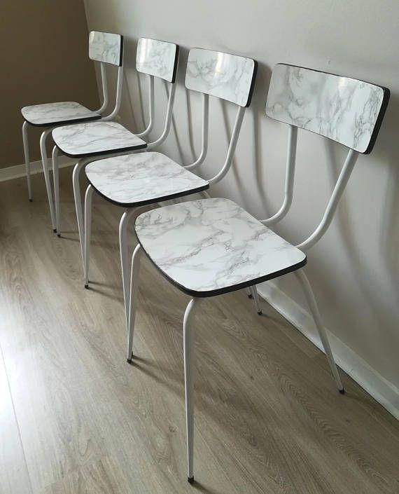 Diy Chaise Formica Effet Marbre Relookee Pieds Metal Blanc Laque Assise Et Dossier Marbre Deco Retro Vintage Industrielle Home Diy Vintage Diy Home Staging