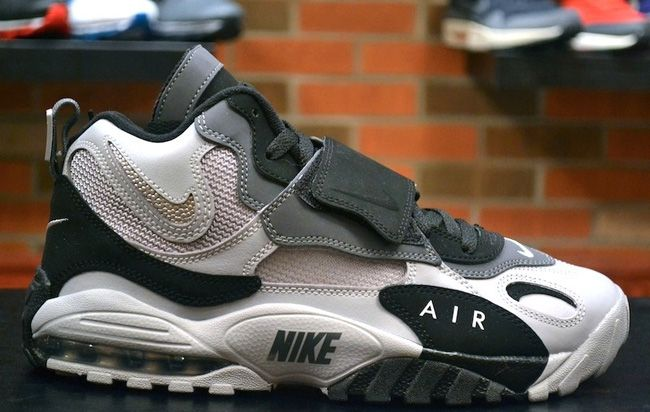 best sneakers 0950c bd28a Nike Air Max Speed Turf Oakland Raiders