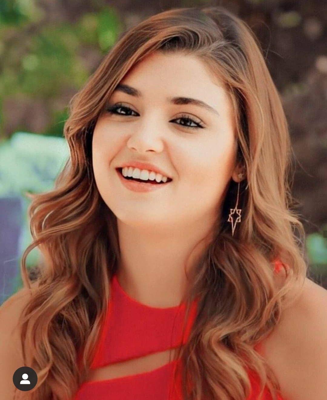 Pin By A H On Hayat And Murat Beauty Girl Beautiful Girl Face Muslim Beauty