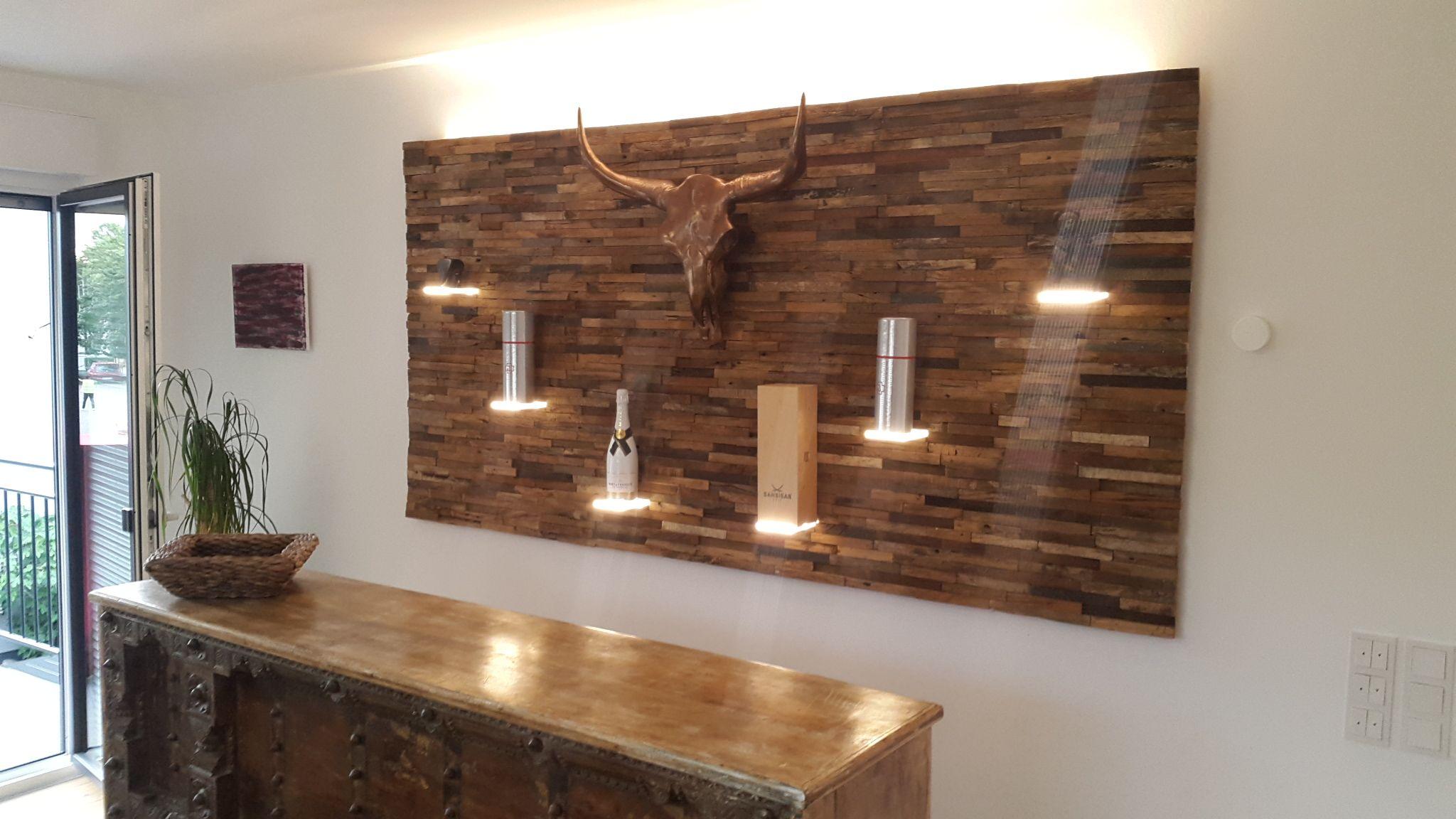 Spaltholzwand Mit Beleuchtete Plexiglas Boden Innenarchitektur Innenausbau Gastronomieeinrichtung