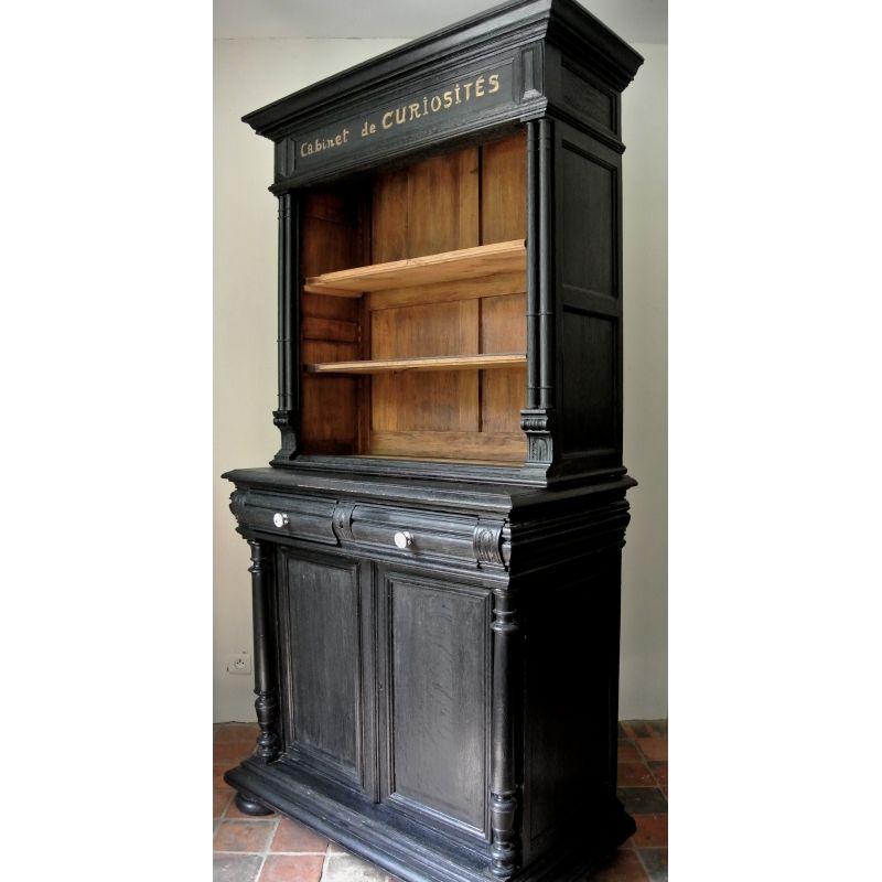 el gant cabinet de curiosit s en bois peint en noir chic avec lettres manuscrites dor es ce. Black Bedroom Furniture Sets. Home Design Ideas