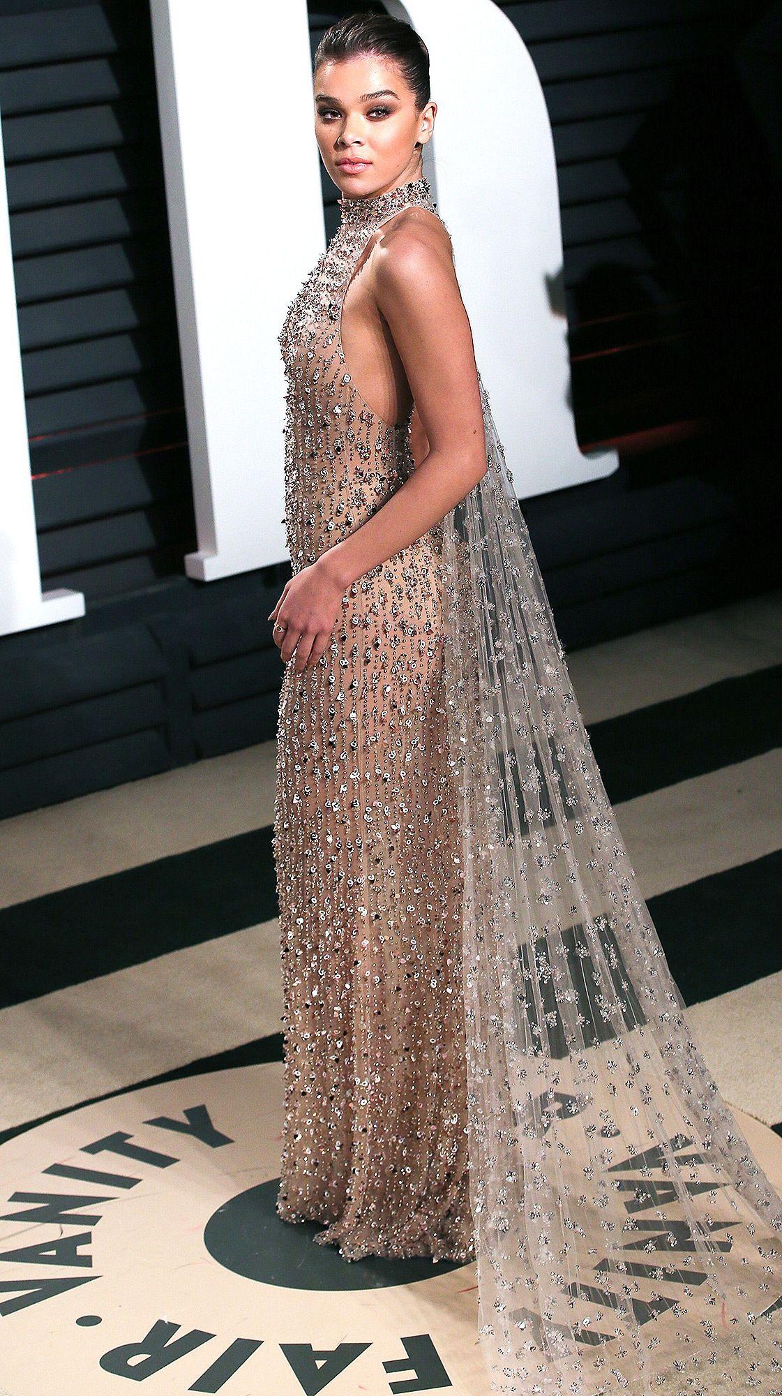 Hailee Steinfeld on Her Oscars Dress Malfunction: \'It Was a ...
