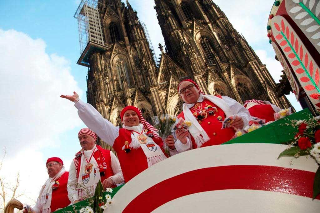 Wann Startet Der Rosenmontagszug In Köln