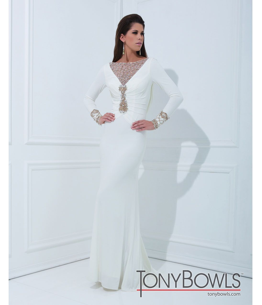 Unique Vintage | Tony bowls, White jersey and Gowns