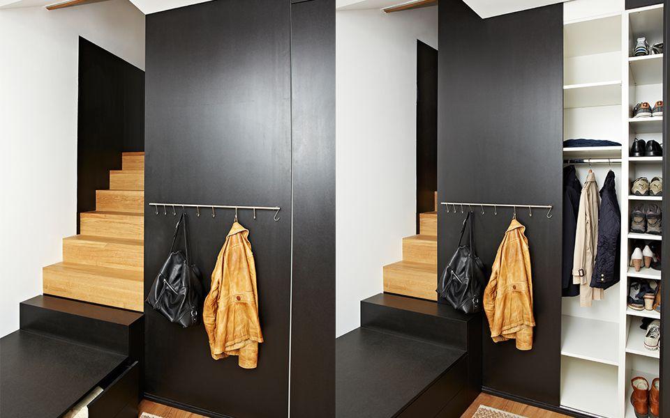 Garderobe Mit Schiebetur Treppe Und Flur