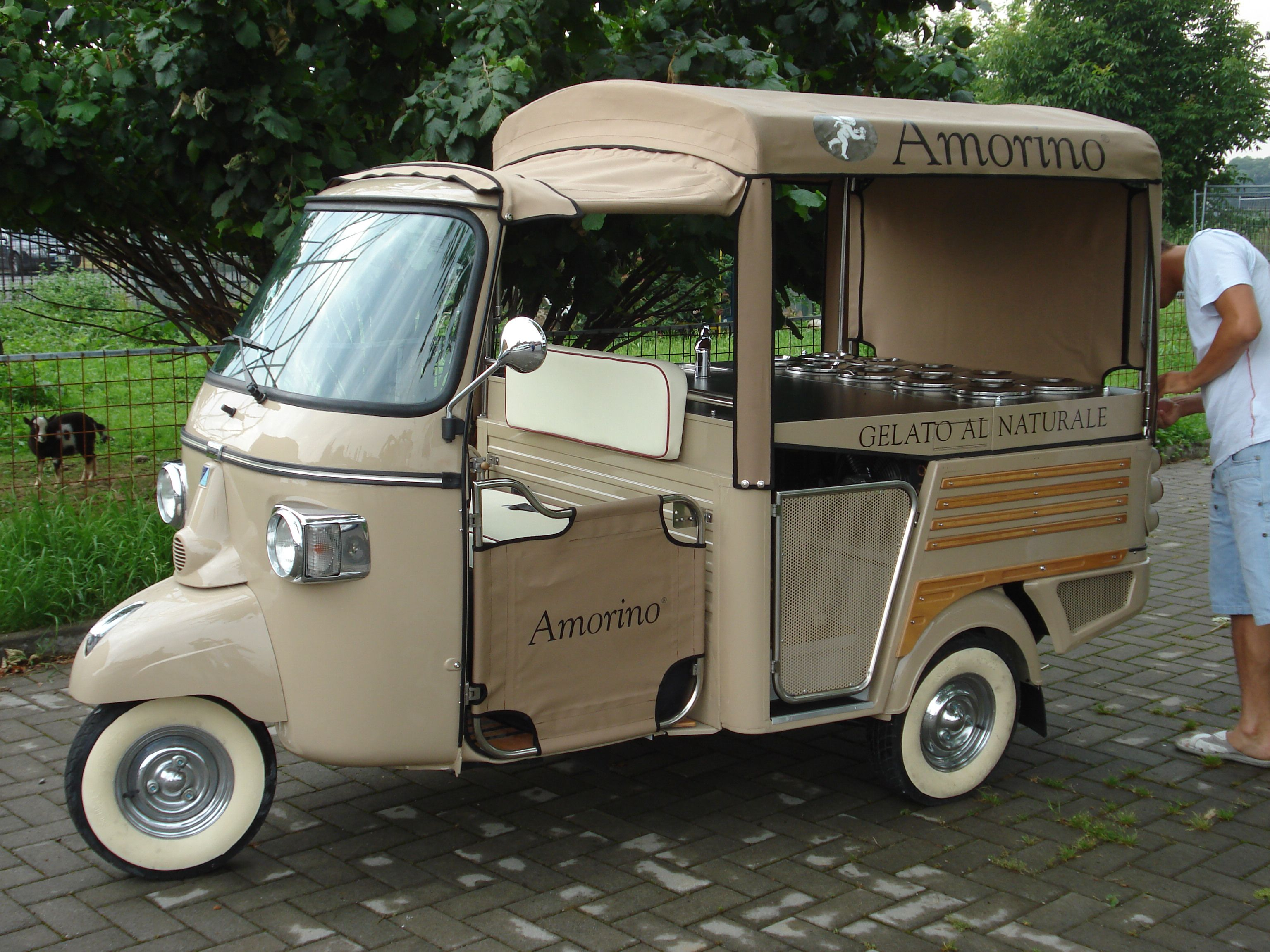piaggio ape designer gelato pinterest piaggio ape food truck and food. Black Bedroom Furniture Sets. Home Design Ideas