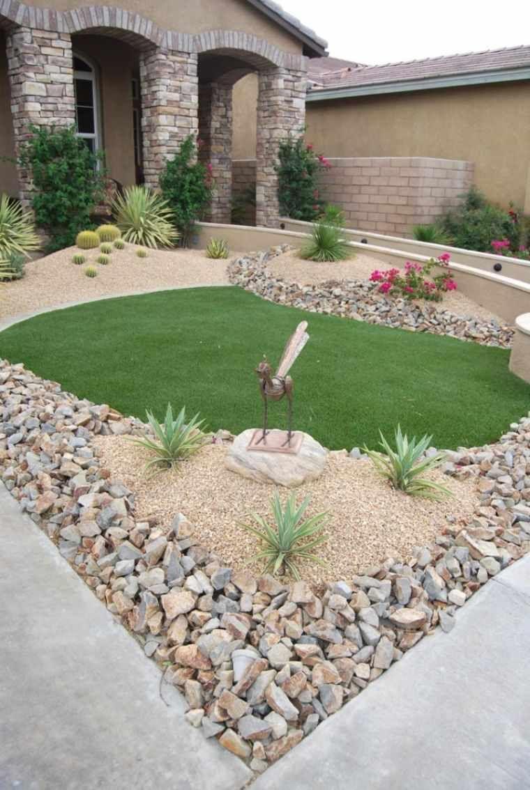 Decoration Jardin Avec Galets Ou Gravier Avantages Comparatif Et Astuces Front Yard Garden Design Front Yard Landscaping Design Small Front Yard Landscaping