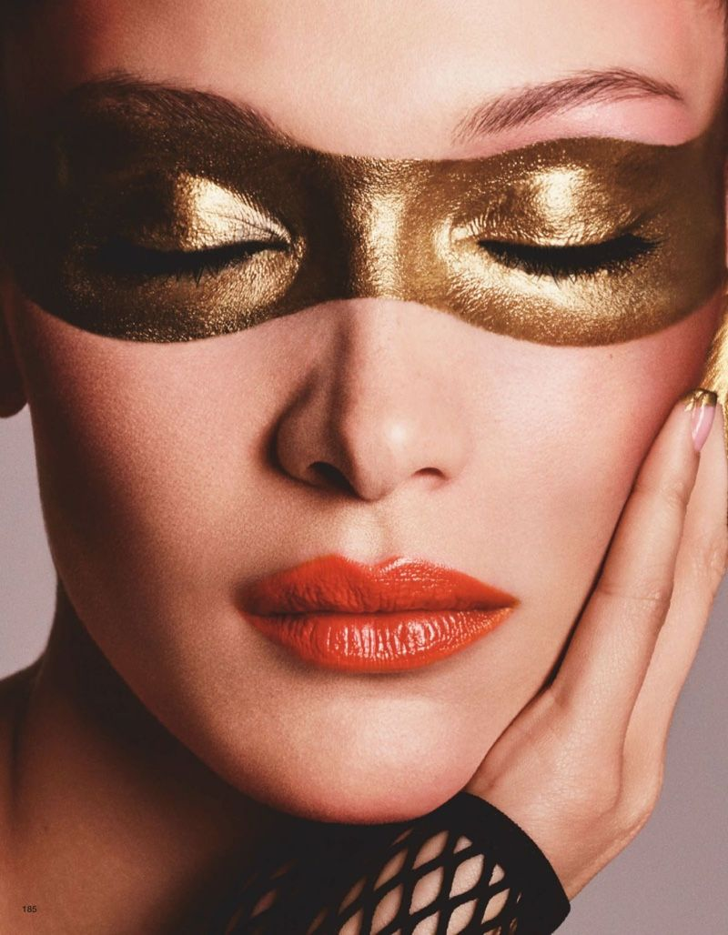 Bella Hadid Turns Up The Shine Factor For Vogue Japan Vogue