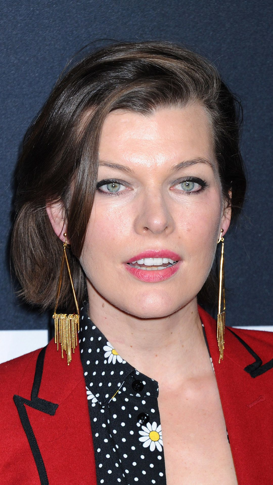 Milla Jovovich portrait at the Saint Laurent show in Los Ang Mobile Wallpaper 25585