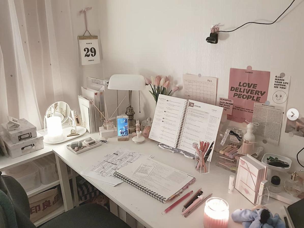 Pin By Shayshayjenay On Lifestyle Study Room Decor Study Decor Study Desk Decor