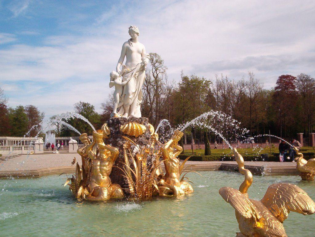 Het Loo Palace: garden detail | Glamorous Lifestyle. | Pinterest ...