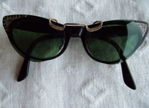 5b2f359b9bba Vintage Ena Cat Eye Eyeglasses Polaroid Clip on Cat Eye Sunglasses Included